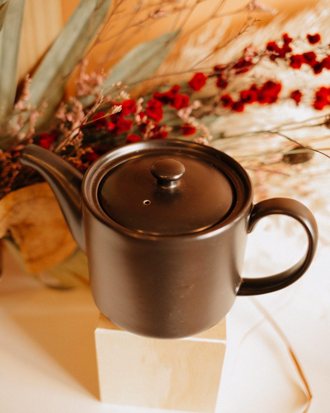 short stack tea pot in black