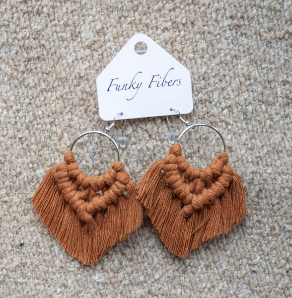 Photo of the handmade Funky Fibers earrings in bronze color
