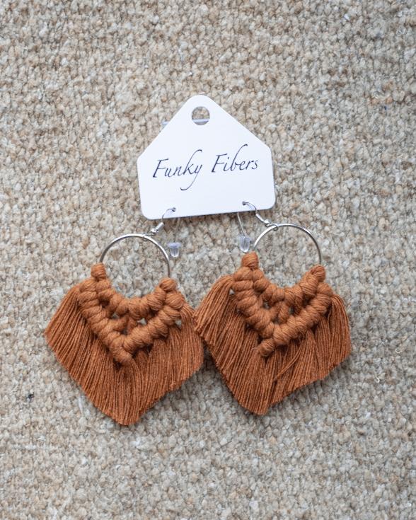 Photo of the handmade Funky Fibers earrings in bronze color