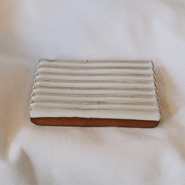 gravesco-soap-dish-horizontal