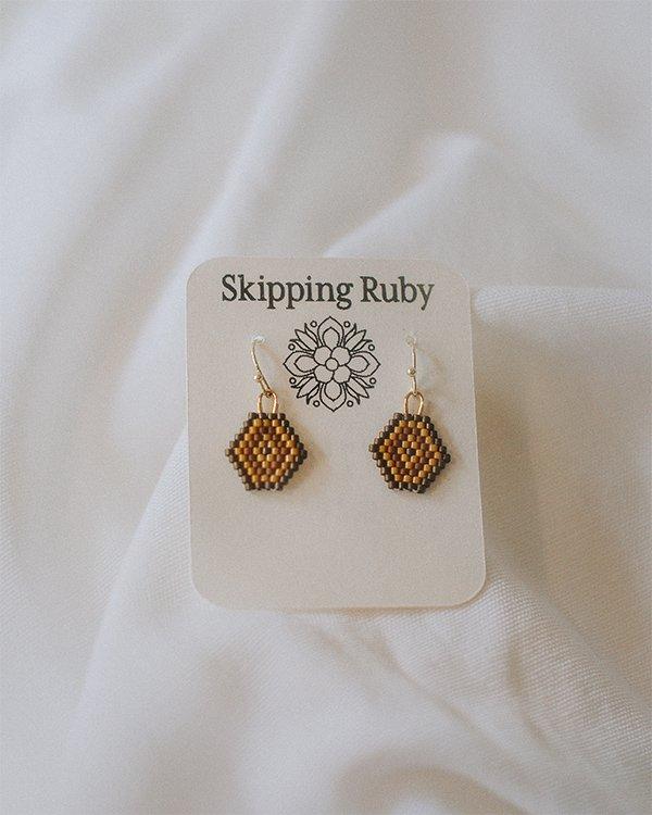 honeycomb-earrings